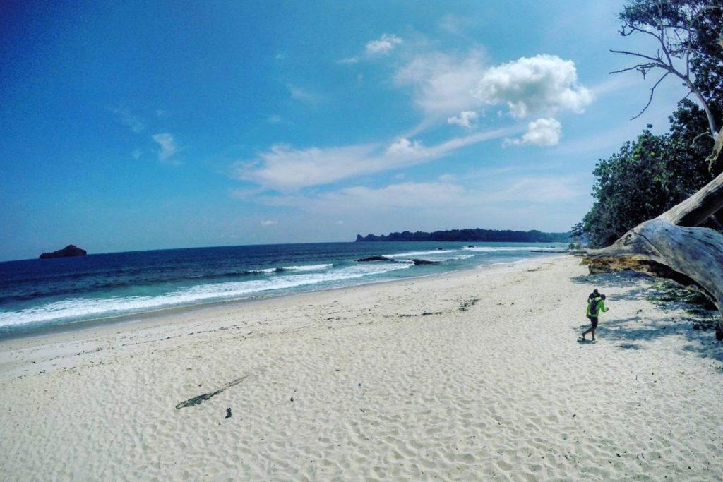 Pantai-Malang-Selatan-Ngliyep-1