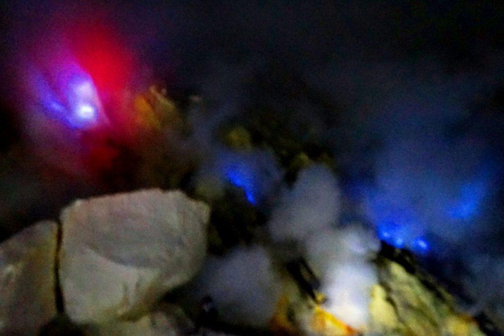 Wisata-Kawah-Ijen-Blue-Fire
